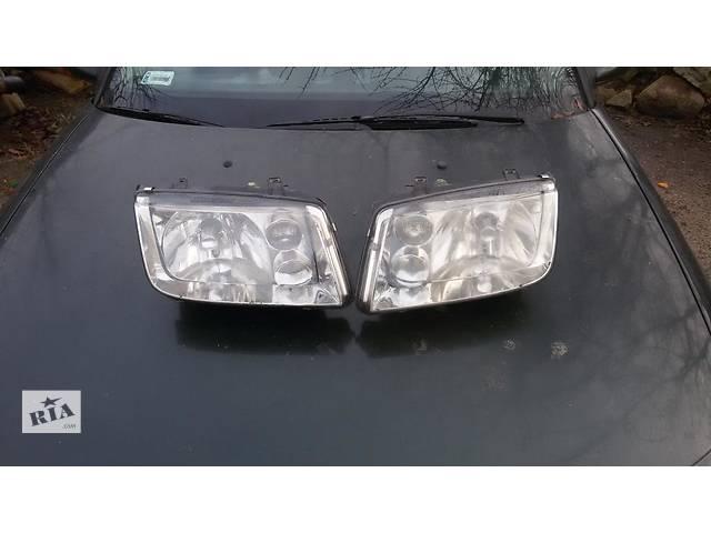 продам б/у Фары передние левая и правая Седан Volkswagen Bora 99-2005 бу в Львове