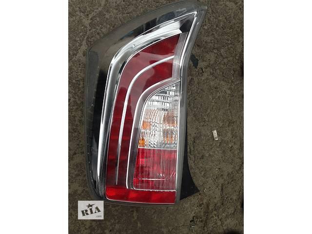 продам Б/у фонарь задний для легкового авто Toyota Prius бу в Ровно