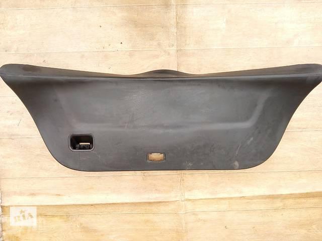 Б/у карта крышки багажника 67750-0D030-B0 для хэтчбека Toyota Yaris 2008г- объявление о продаже  в Николаеве