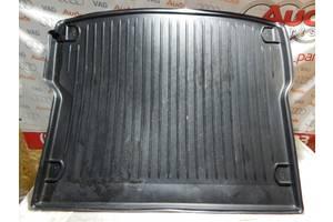 Б/У Коврик багажника AUDI Q5 8R0061180