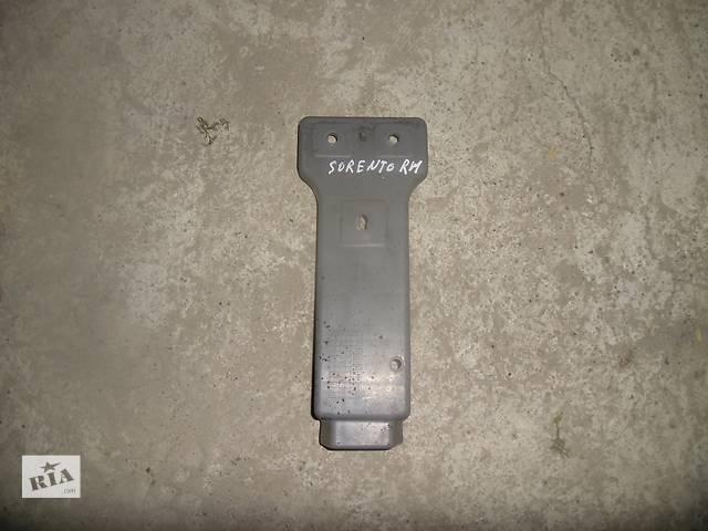 бу Б/у кронштейн бампера для легкового авто Kia Sorento 2008 в Коломые