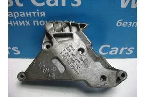 Б/У Кронштейн двигуна правий Passat 2004 - 2009 03G199207F. Вперед за покупками!
