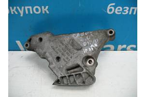 Б/У Кронштейн двигуна правий на 2.0 D Passat 2004 - 2009 03G199207F. Вперед за покупками!