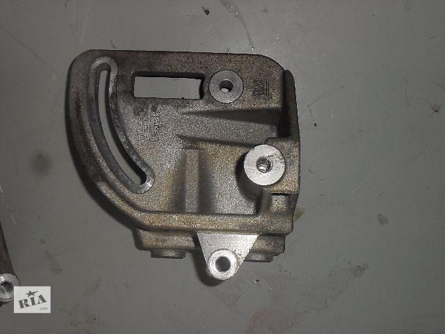 бу Б/у Кронштейн генератора для легкового авто Chevrolet Spark 1.0 в Ровно