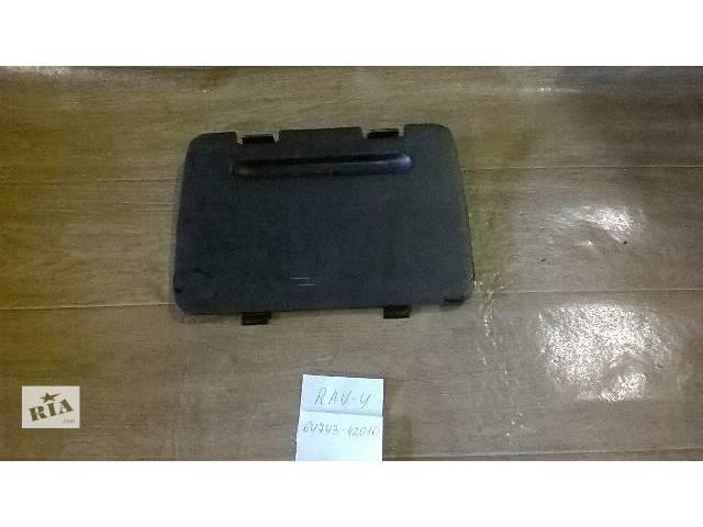 продам Б/у крышка багажного отсека 64743-42010 для кроссовера Toyota Rav 4 2002г бу в Николаеве