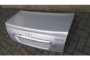 Б/у крышка багажника для ВАЗ 2170 Приора (снежная королева)