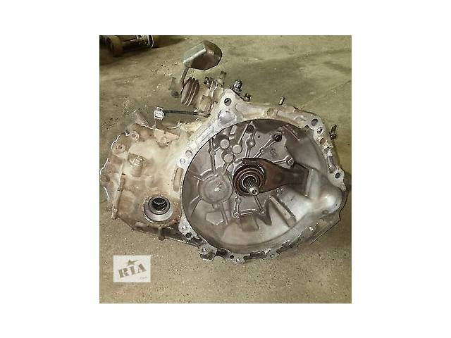 купить бу Б/у механическая коробка передач 30300-52410 для хэтчбека Toyota Yaris 2007г в Николаеве
