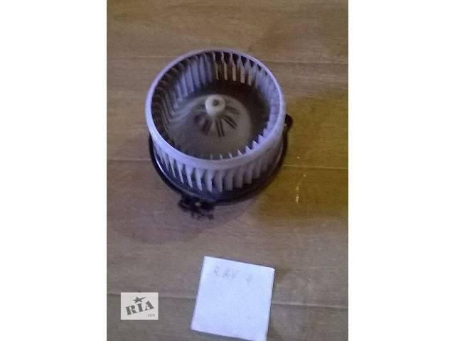 купить бу Б/у моторчик печки 87103-42060 для кроссовера Toyota Rav 4 2002г в Николаеве