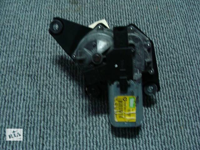 бу Б/у моторчик стеклоочистителя задний  для универсала Dodge Magnum 2005-2010 в Киеве