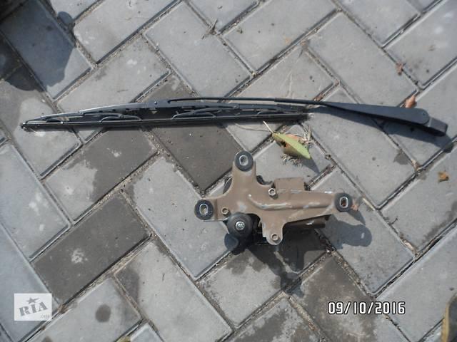 купить бу Б/у моторчик заднего стеклоочистителя для легкового авто ВАЗ 2112 в Умани
