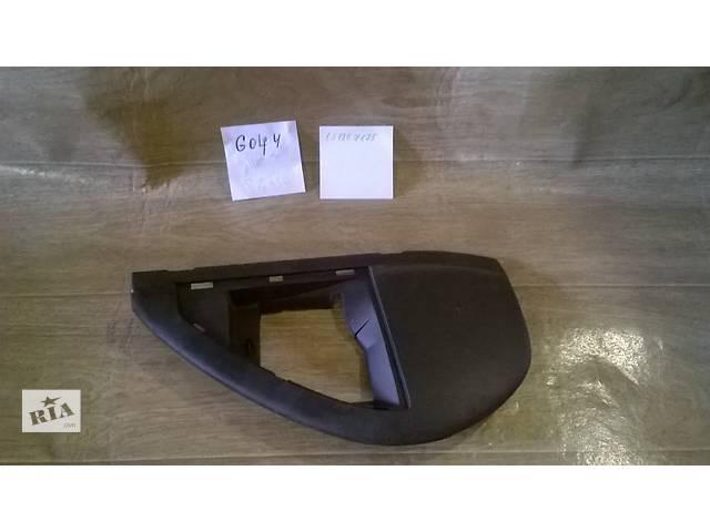 купить бу Б/у накладка боковая торпеды 1J1857175 для хэтчбека Volkswagen Golf IV 2000-2003г в Николаеве