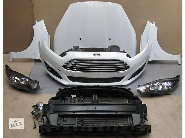 продам Б/у Накладка передней панели Ford Fiesta бу в Киеве