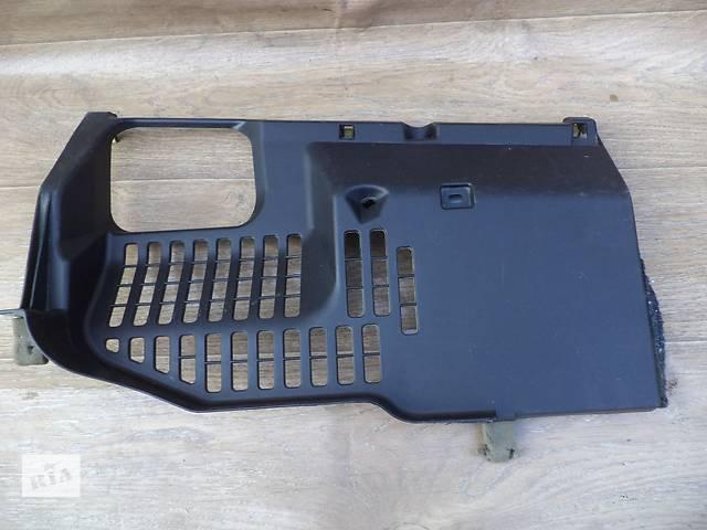 купить бу Б/у накладка торпедо нижняя правая 55607-60060 для кроссовера Lexus GX 470 2002-2009г в Николаеве