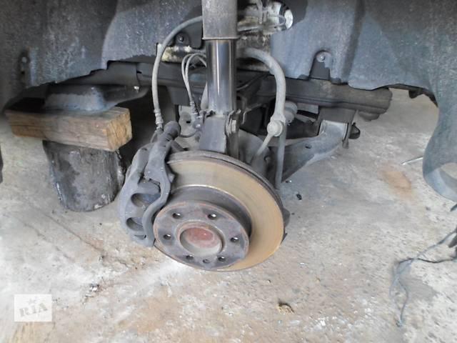 купить бу Б/у Опора амортизатора для Volkswagen Crafter Фольксваген Крафтер 2.5 TDI 2006-2010 в Рожище