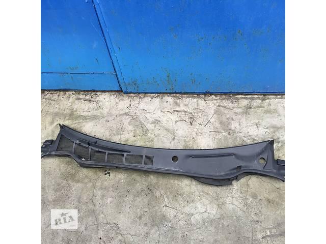 бу Б/у пластик под лобовое стекло для легкового авто Toyota Camry в Киеве