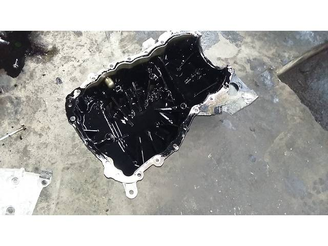 купить бу Б/у Поддон масляный Піддон двигуна на Renault Kangoo Рено Канго Кенго 1,5 DCI К9К B802, N764 2008-2012 в Луцке