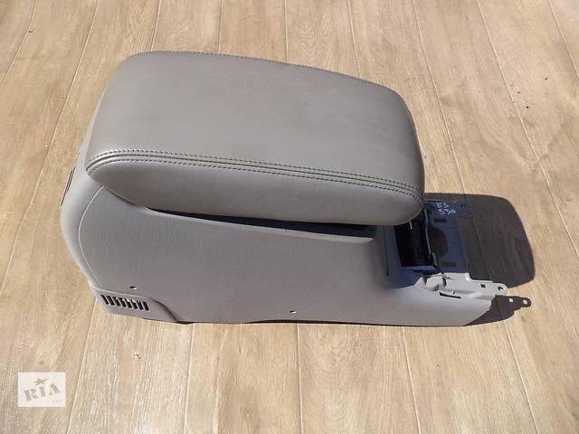 Б/у подлокотник 58911-33130-B1 для седана Lexus ES 330 2003, 2004, 2005, 2006г- объявление о продаже  в Николаеве