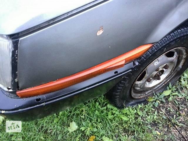 продам Б/у поворотник/повторитель поворота в крыло для хэтчбека Mitsubishi Colt 1986г бу в Николаеве