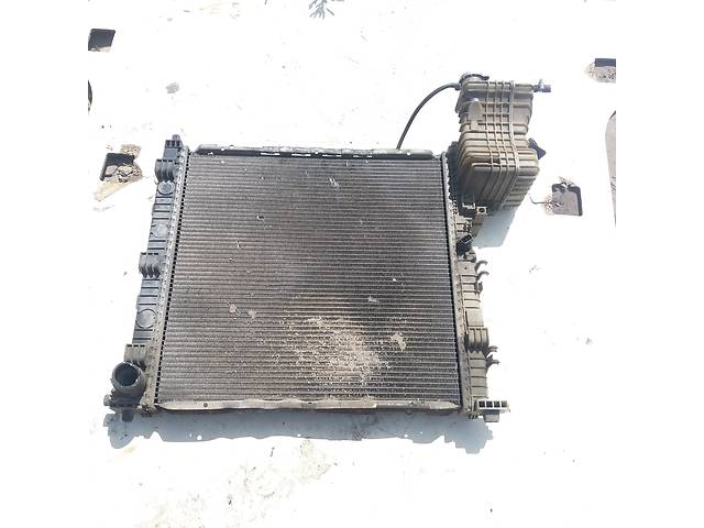купить бу Б/у радиатор для легкового авто Mercedes Vito 638 2,3 Дизель в Ковеле