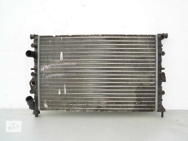 купить бу Б/у радиатор для легкового авто Renault 19 1.7,1.8 (570*380) по сотым. в Буче (Киевской обл.)