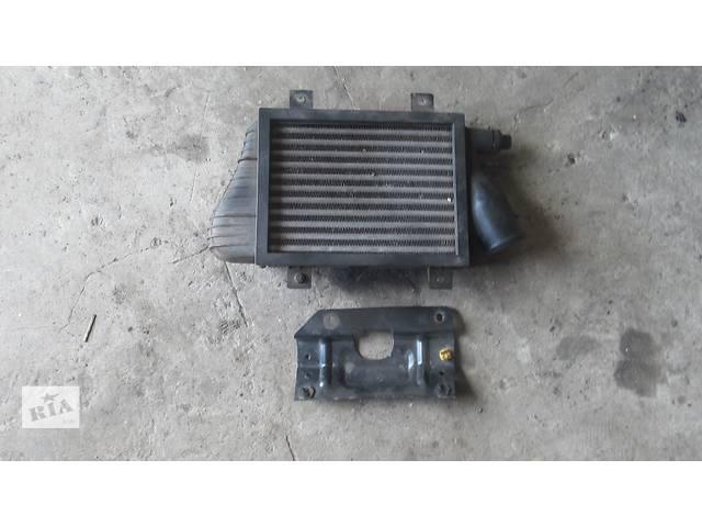 продам Б/у радиатор интеркуллера для легкового авто Volkswagen T4 (Transporter) бу в Яворове (Львовской обл.)