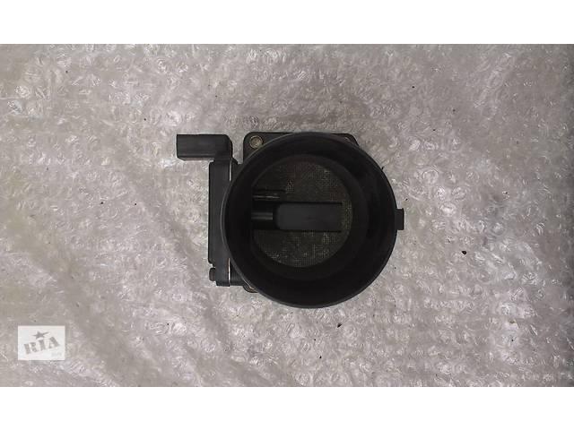 купить бу Б/у расходомер воздуха для легкового авто Volkswagen Golf IV 1.6 06A906461B AFH60-10C в Ковеле