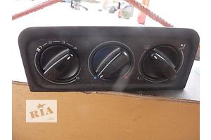 б/у Регуляторы оборотов вентилятора печки Volkswagen Golf IIІ