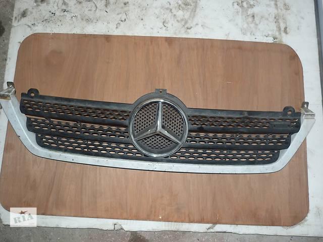 купить бу Б/у Решётка радиатора для автобуса Mercedes Sprinter 903, б/у, оригинал в Черкассах