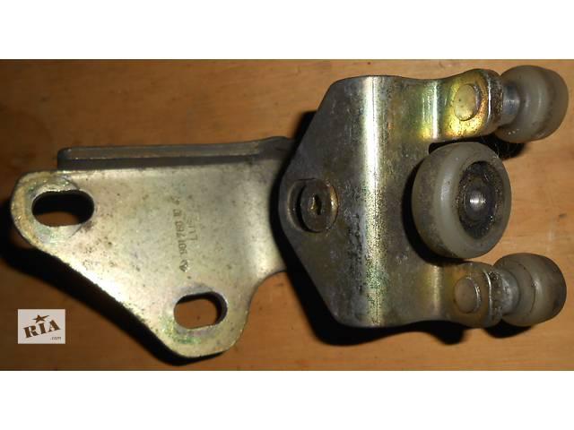 купить бу Б/у ролики боковой двери Mercedes Sprinter Мерседес Спринтер 903, 2.2; 2.7 CDI OM611; 612 (2000-2006) в Ровно