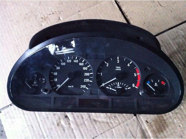 купить бу б/у Щиток приборов кпп/мех BMW 320 2.0 TDI (Е-46) 2001р/в в Львове