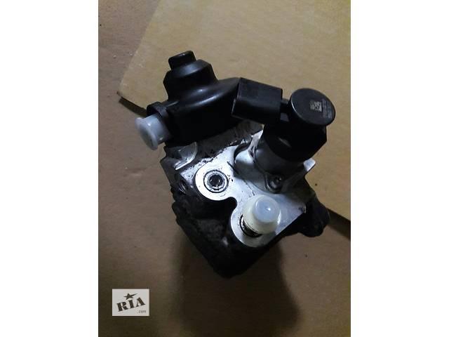 продам Б/у топливный насос высокого давления/трубки/шест для легкового авто Volkswagen T5 (Transporter) бу в Киеве
