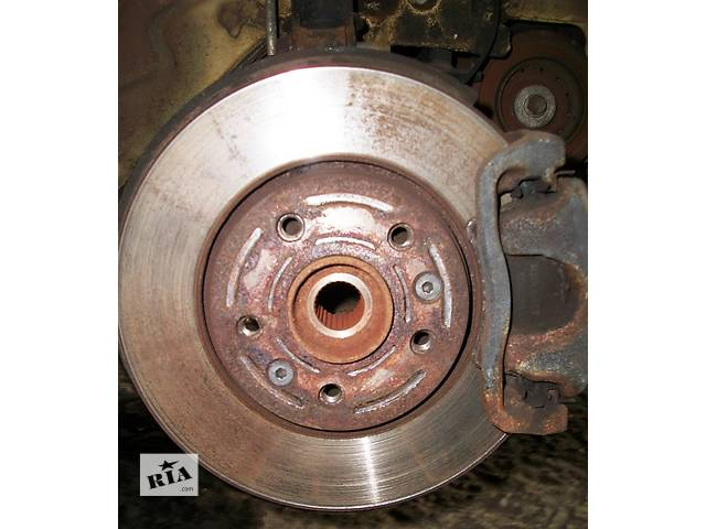 купить бу Б/у Тормозной диск Renault Kangoo Кенго 1,5 DCI К9К B802, N764 2008-2012 в Рожище