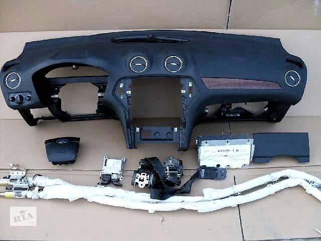 продам Б/у торпедо/накладка для легкового авто Ford Mondeo бу в Ровно