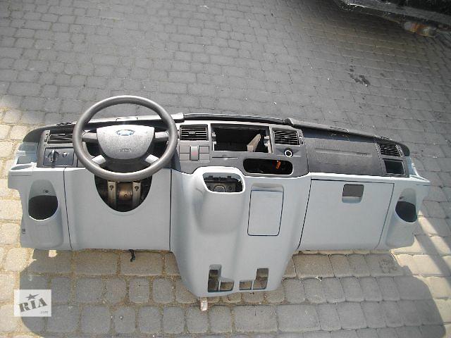 Б/у торпедо/накладка для легкового авто Ford Transit 2007- объявление о продаже  в Львове