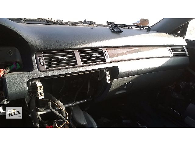 продам Б/у торпедо/накладка для универсала Audi A6 С5 1999 бу в Николаеве