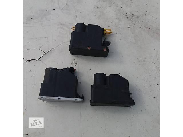 купить бу Б/у вакуумный насос центрального замка для Mercedes 124 в Ковеле
