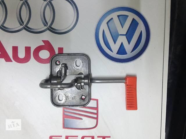 бу Б/у замок капота для легкового авто Volkswagen Polo в Полтаве