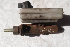 Б/у главный тормозной цилиндр для Iveco 3512 1998рв на ивеко 35\12 оригинал пробег авто 300тыс в ес