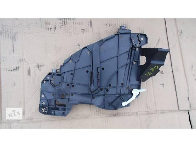 продам Крепление фары Volkswagen Touareg 2008 бу в Ковеле