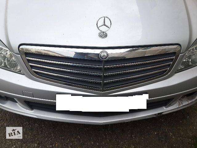 продам Б/у Детали кузова Решётка радиатора Легковой Mercedes C-Class 2008 бу в Львове
