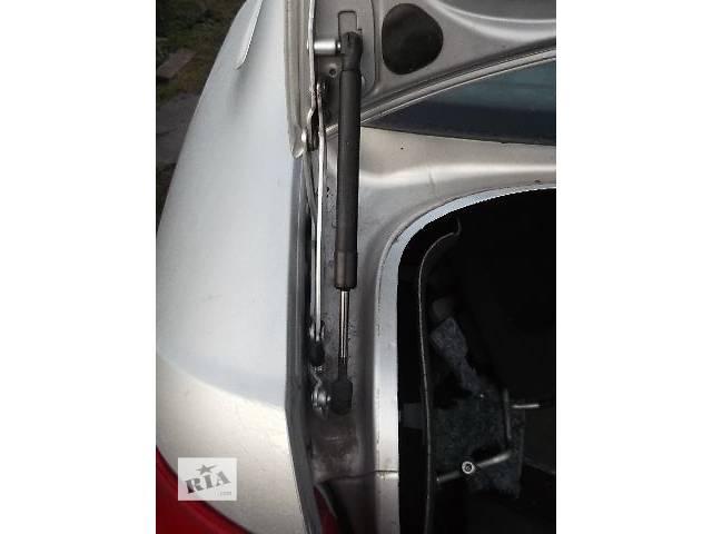 бу Б/у Двери/багажник и компоненты Амортизатор багажника Легковой Audi A6 Седан в Львове