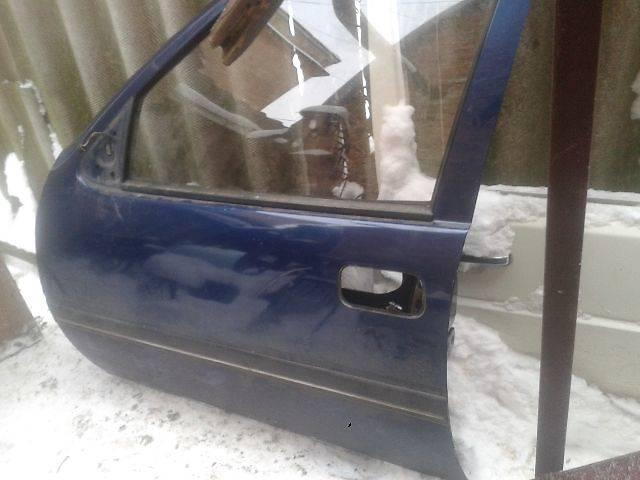 купить бу Б/у Двери/багажник и компоненты Дверь передняя Легковой Opel Vectra A в Львове