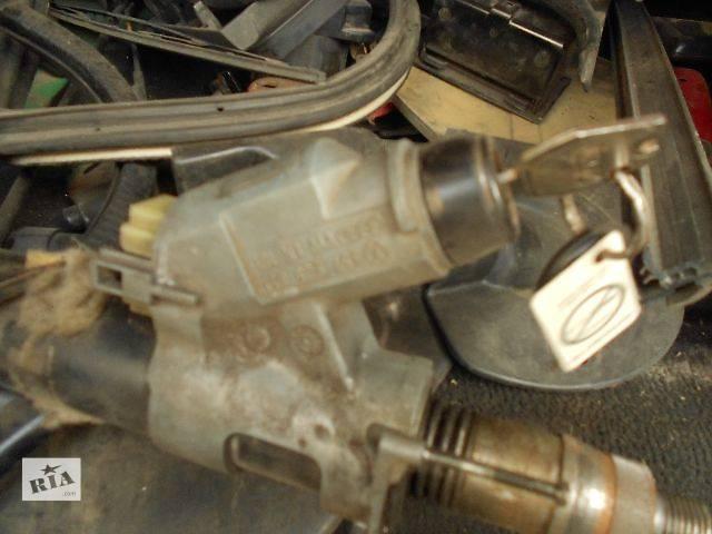 продам б/у Електрообладнання двигуна Замок загорання/контактна група Легковий Volkswagen Passat (все) 1991 бу в Чопе