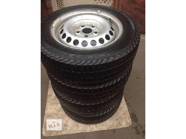 продам б/у Колеса и шины Шины Зимние Continental R16C 205 65 Легковой Volkswagen T5 (Transporter) 2012 бу в Киеве