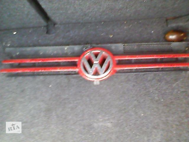 продам Б/у решітка радіатора для легкового авто Volkswagen Golf VI бу в Ивано-Франковске