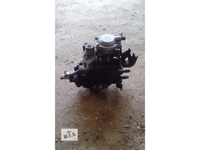 купить бу Б/у топливный насос высокого давления/трубки/шест для хэтчбека Volkswagen Golf IIІ в Бучаче
