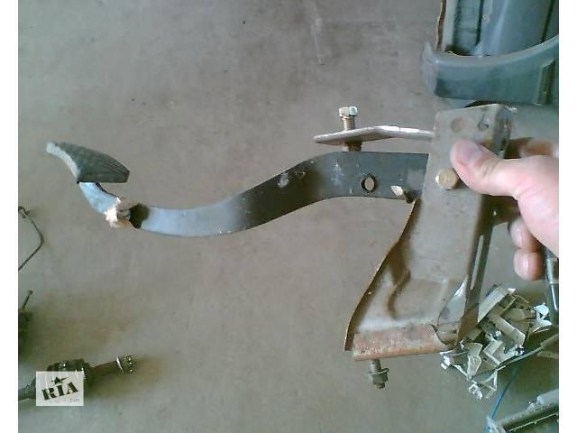 б/у Тормозная система Педаль тормоза Педаль тормоза Легковой Mitsubishi Lancer 1997- объявление о продаже  в Ужгороде