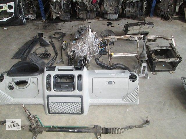 купить бу Б/у торпедо/накладка для грузовика Renault Master 2005 в Тернополе