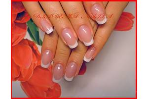 Нарощування нігтів гелем
