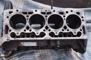 блок двигуна 2.5д тд для Peugeot J-5 1988-1995р на пежо джі5 сітроєн с25 мотор у25 ціна 5000гр за голий блок 2.5 ТУРБО